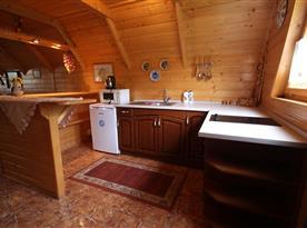 Kuchyňský kout v patře