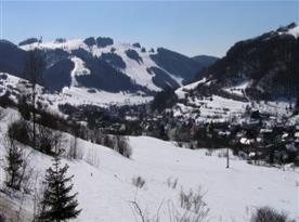 Pohled na zimní okolní krajinu