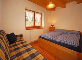 Objekt i. společenská místnost s kuchyňským a jídelním koutem a 2 ložnicemi - ložnice 2