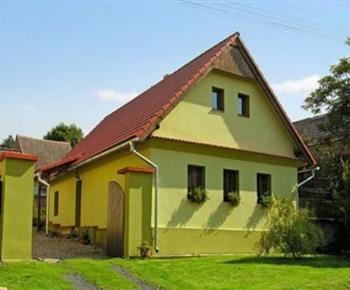 Chalupa Venkovské stavení se zvířecí farmou Měrunice